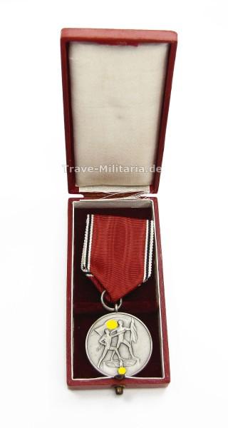 Medaille zur Erinnerung an den 13. März 1938 im Etui