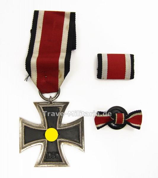 Eisernes Kreuz 2. Klasse mit Feldspange und Knopflochdeko