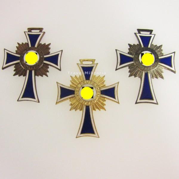 Ehrenkreuze der Deutschen Mutter in Bronze, Silber und Gold