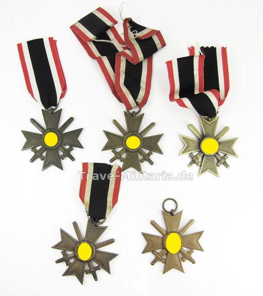 Lot 5 Kriegsverdienstkreuze mit Schwertern