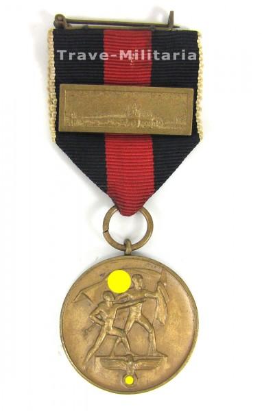 Medaille zur Erinnerung an der 1. Oktober 1938 mit Spange Prager Burg