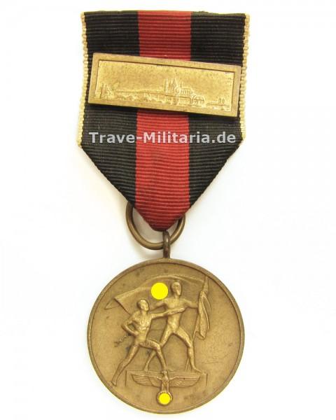 Medaille zur Erinnerung an den 1. Oktober 1938 mit Spange Prager Burg