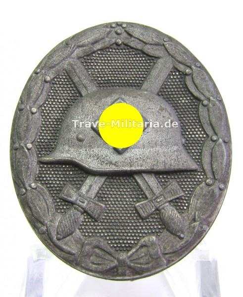 Verwundetenabzeichen in Silber Hersteller 30