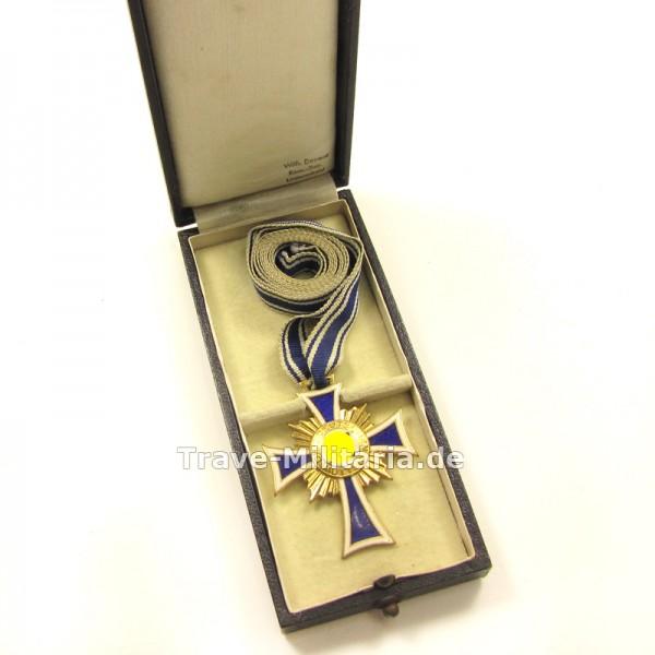 Ehrenkreuz der Deutschen Mutter in Gold im Etui